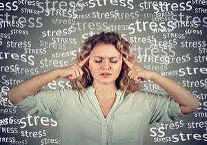 STRESS ET PATHOLOGIES